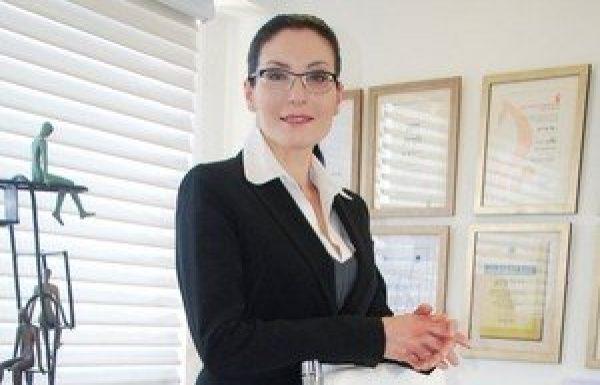 """ד""""ר טלי פרידמן: מומחית לכירורגיה פלסטית"""