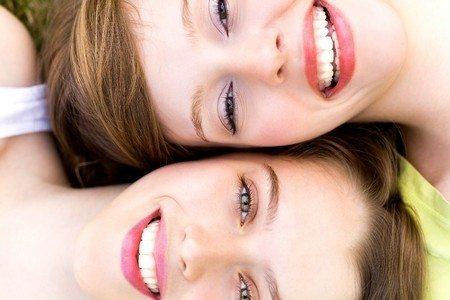 ציפויי חרסינה לשיניים: הדרך המהירה והבטוחה לחיוך מושלם