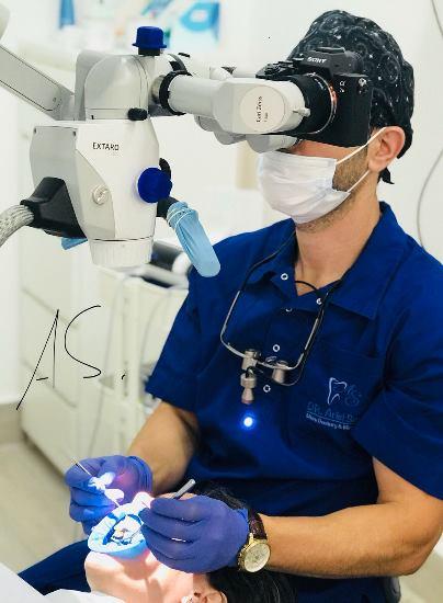 טיפולי שיניים במיקרוסקופ