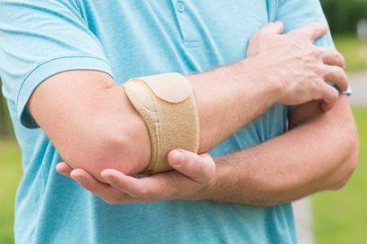כאבים במרפק: כיצד מטפלים בבעיות שכיחות במרפק