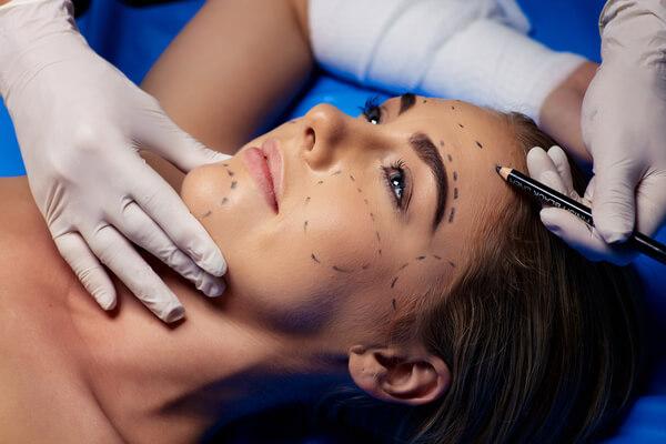 מתיחת פנים, צוואר וקו לסת ללא ניתוח: המכשיר שכבש את ארה