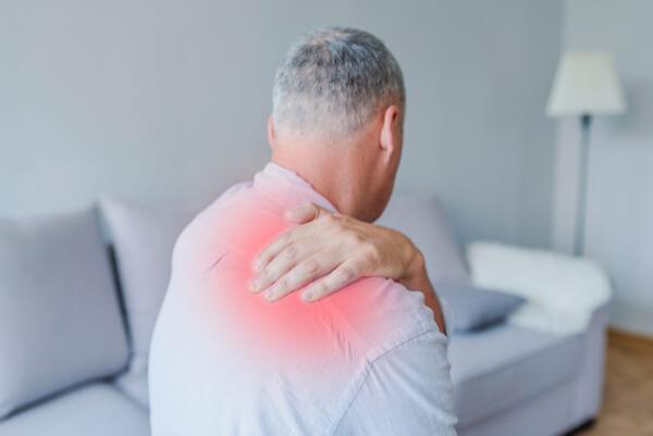 תיקון קרע בשרוול המסובב בכתף