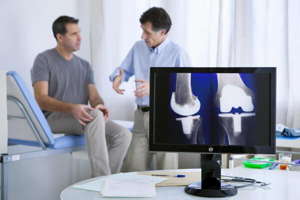 טיפול בכאבי ברכיים רופא