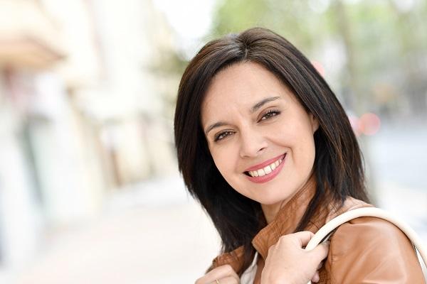 הצערה של עור הפנים ללא ניתוח: להחזיר את הרעננות