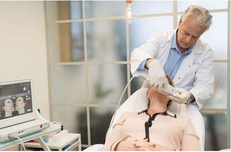 """מתיחת פנים וצוואר ללא ניתוח: הטכנולוגיה מארה""""ב שהוכיחה יעילות הגיעה לישראל"""