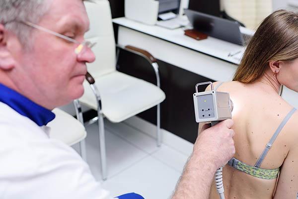 טיפול במלנומה: הטיפולים הביולוגיים החדשניים