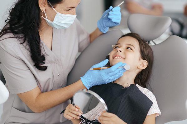 מתי וכיצד נבצע טיפולי שיניים בהרדמה מלאה