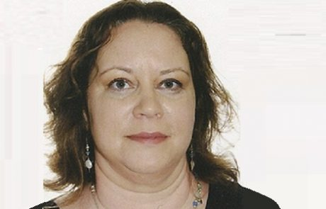"""ד""""ר אורלי גולדשטיק: מומחית ליילוד וגינקולוגיה"""