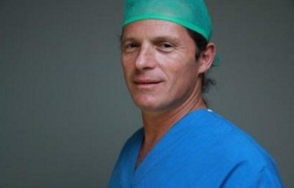 """ד""""ר אילן הוכמן: מומחה לרפואת אף אוזן וגרון"""