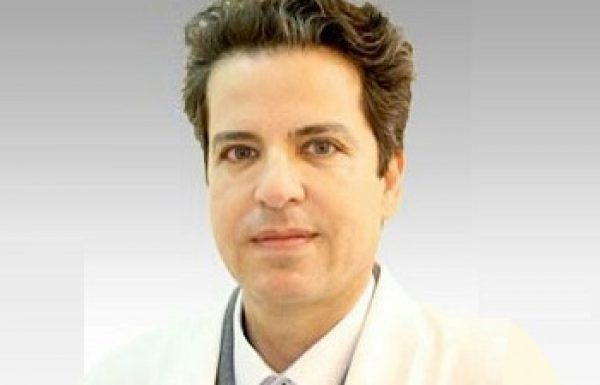 """ד""""ר אלדד מור: מומחה לכירורגיה פלסטית"""