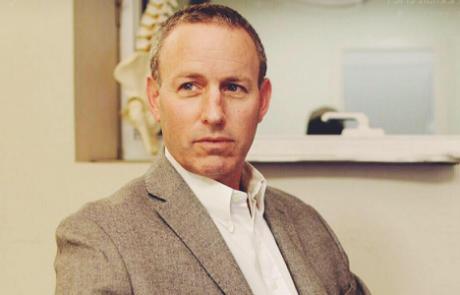 """ד""""ר גדעון בורשטין: מומחה לכירורגיה אורתופדית"""