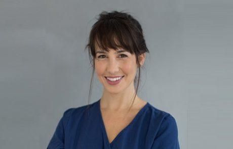 """ד""""ר ענבל גת: רפואת שיניים ורפואה אסתטית"""