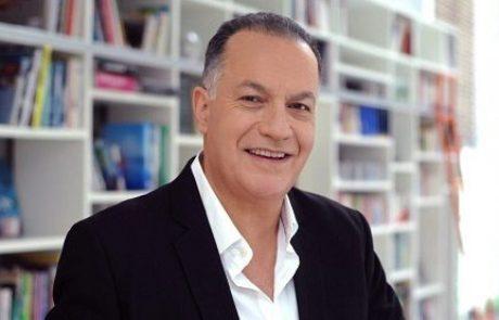 """ד""""ר ברנרד דהן: מומחה לרפואת חניכיים"""