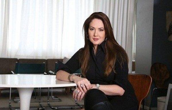 """ד""""ר ליאורה הולנדר: מומחית לכירורגיה פלסטית"""