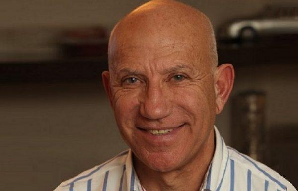 """ד""""ר רוני מוסקונה: מומחה לכירורגיה פלסטית"""