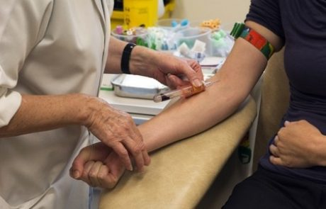 בדיקת NIPT: בדיקת דם לגילוי תסמונות בעובר