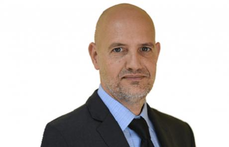 פרופ' אהוד אטון: מומחה לכירורגיה אורטופדית