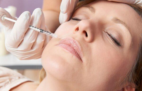 הזרקת שומן עצמי באזור הפנים: המדריך המלא