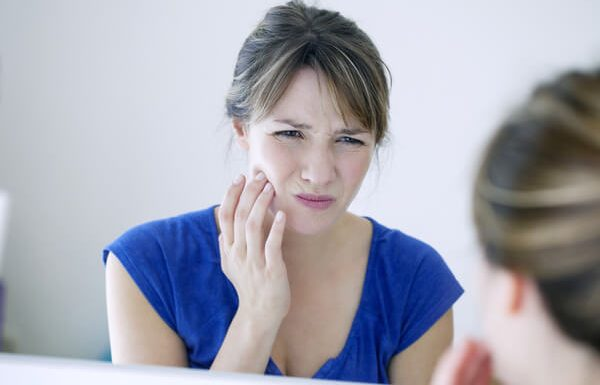 דלקת סביב שתלי שיניים: מניעה וטיפול